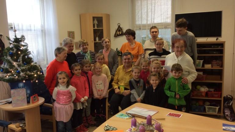 Zpívání s dětmi z MŠ Strojařů