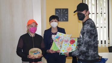 Předání dárků od dětí